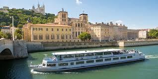 beaujolais-bateau